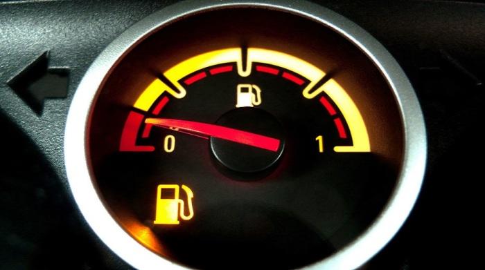 Топлива остается на сотню км. /Фото: livejournal.com.