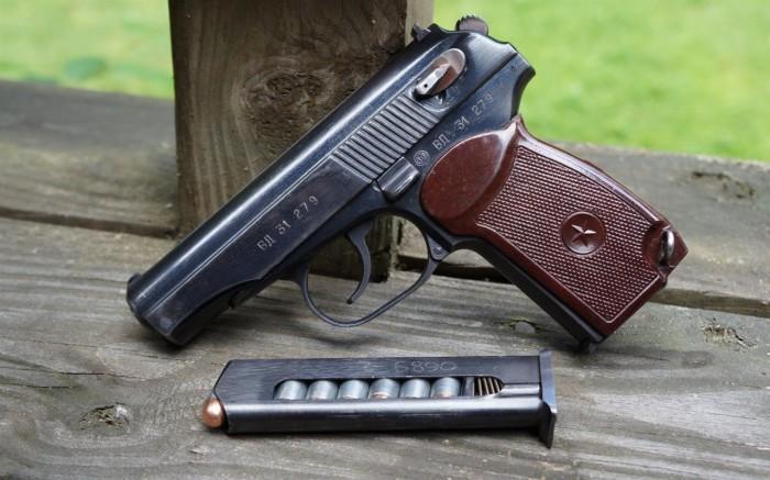 Некоторые считают, что пистолет Макарова был скопирован с Вальтера. /Фото: rostec.ru.