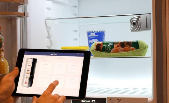 Умный холодильник поможет с покупками.