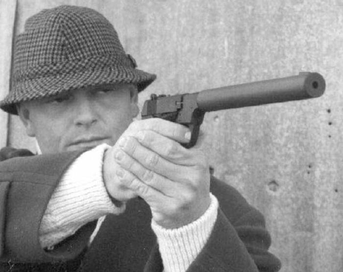 Пистолет на вооружение взяли ЦРУ. /Фото: 3djuegos.com.