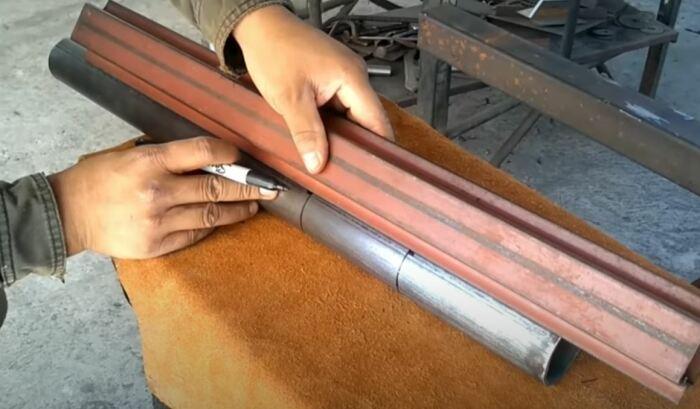 Нужно обмерять трубу. /Фото: youtube.com.