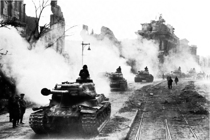 В 1945 году началась новая война. /Фото: liveinternet.ru.