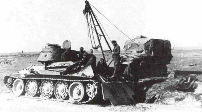 Часть танков переделывали в хозяйственные машины. /Фото: yandex.ru.