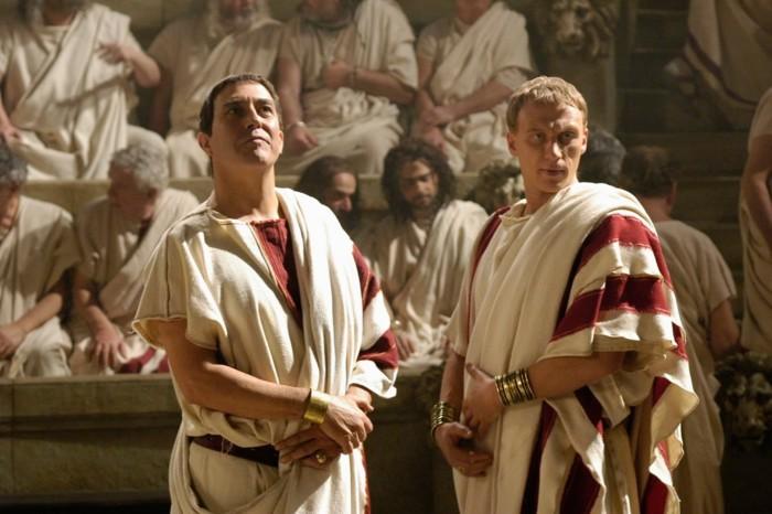 Даже во времена империи, Рим оставался республикой. Пускай и все больше формально. /Фото: yandex.ru.