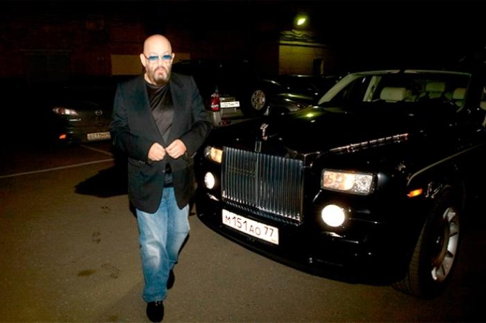 Рабочая лошадка звезды - Rolls-Royce Phantom.
