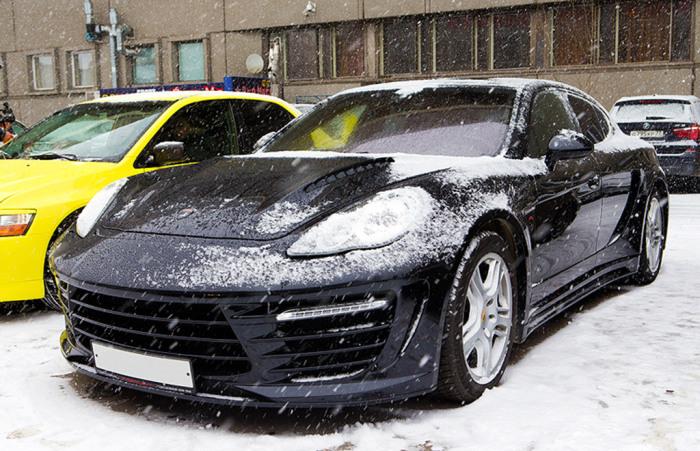 Автомобиль Porsche Panamera Stingray знаменитого хоккеиста.