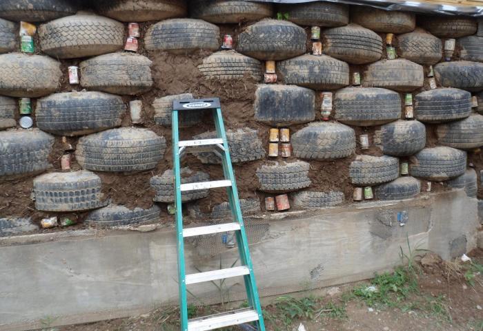 Выходят отличные стены. /Фото: sazhaemvsadu.ru.