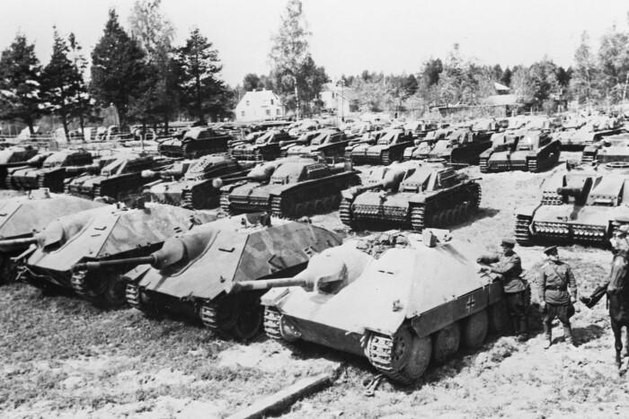 Красная армия захватила тысячи немецких машин. /Фото: fotoload.ru.