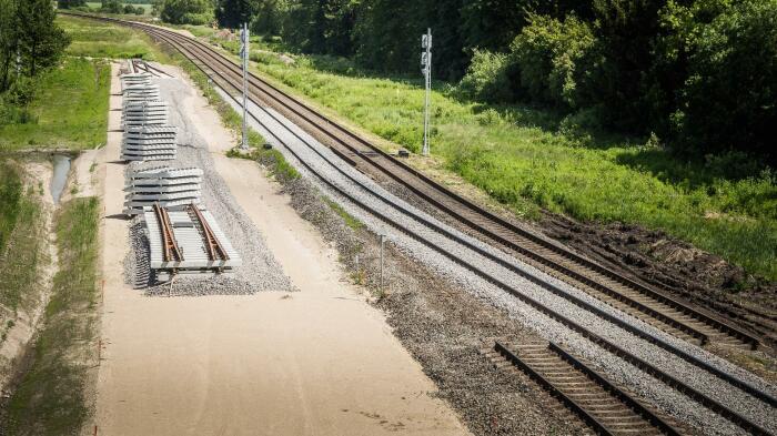 Прокладка железной дороги - это непростое дело. /Фото: lt.utro.news.
