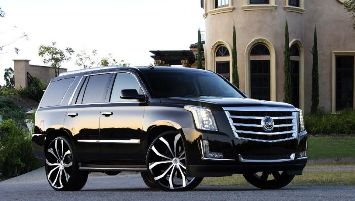 Протеворечивый, но очень надежный Cadillac Escalade.