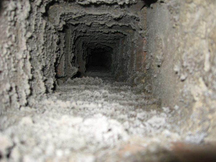 Вентиляция загрязняется. /Фото: klademkirpich.ru.