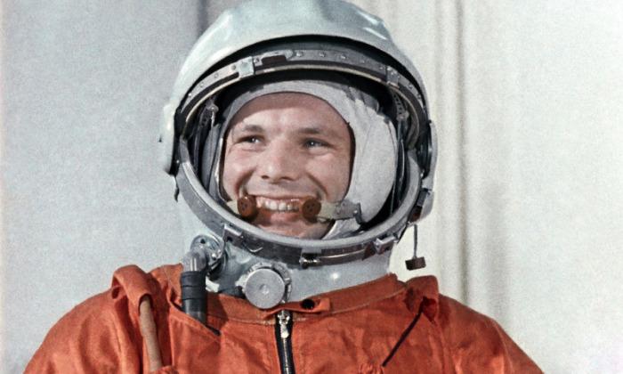 Традиция появилась еще при Юрии Гагарине. /Фото: sciencepop.ru.