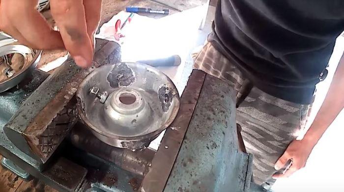 Делаем корепежи из болтов и гаек. /Фото: .youtube.com.