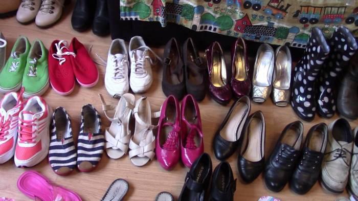 Нельзя дать обуви скапливаться.