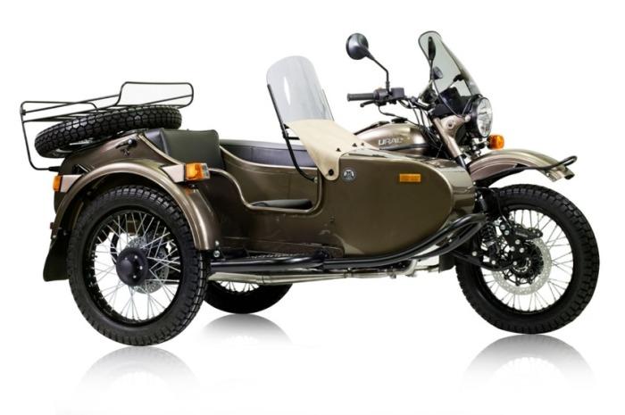 Мотоцикл выглядит вполне стильно, даже с коляской.