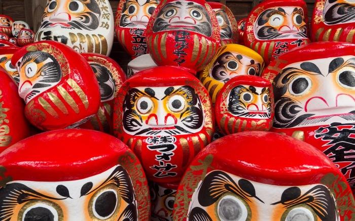 Возможным прообразом стали игрушки под названием дарум. /Фото: blogspot.com.
