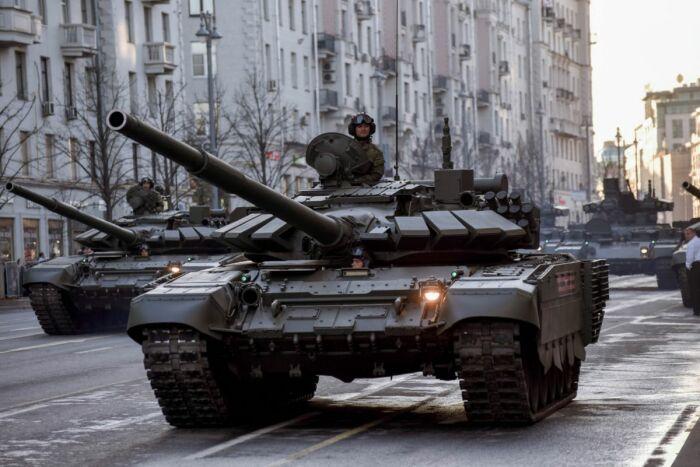 Больше всего танков на боевом дежурстве. /Фото: glas.ru.