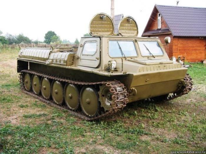 Старик ГАЗ-71 все еще в седле.