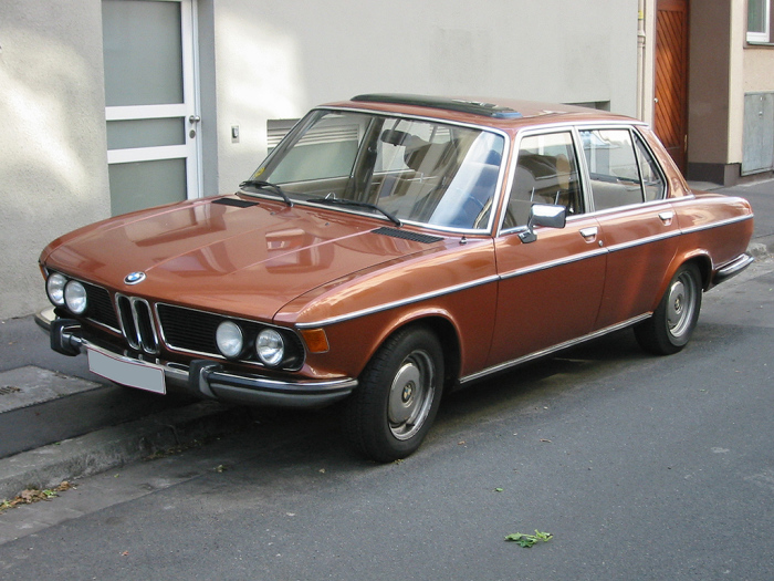 Высоцкий любил BMW 2500v SST.