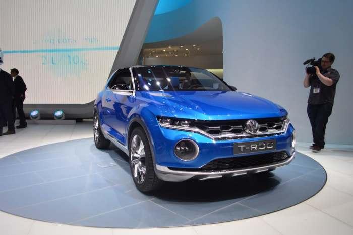 Кабриолет и внедорожник VW T-Roc.