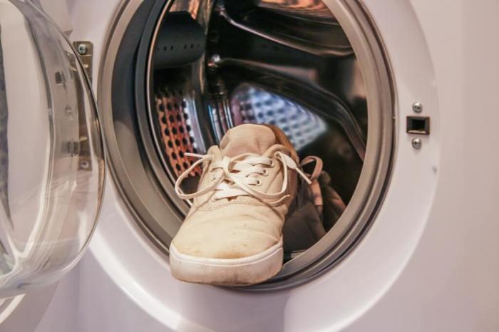 Сначала проверяем обувь. /Фото: zhenray.ru.