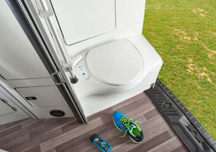 Туалет - это лучшее, что есть в Ford Westfalia Nugget Plus.