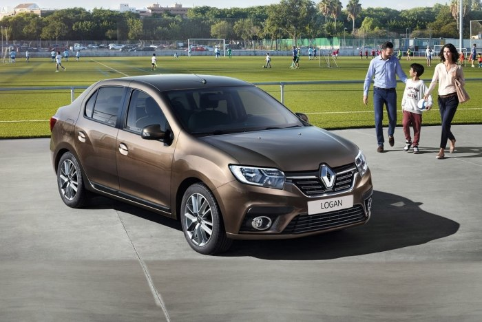 Точно не стоит брать Renault Logan.