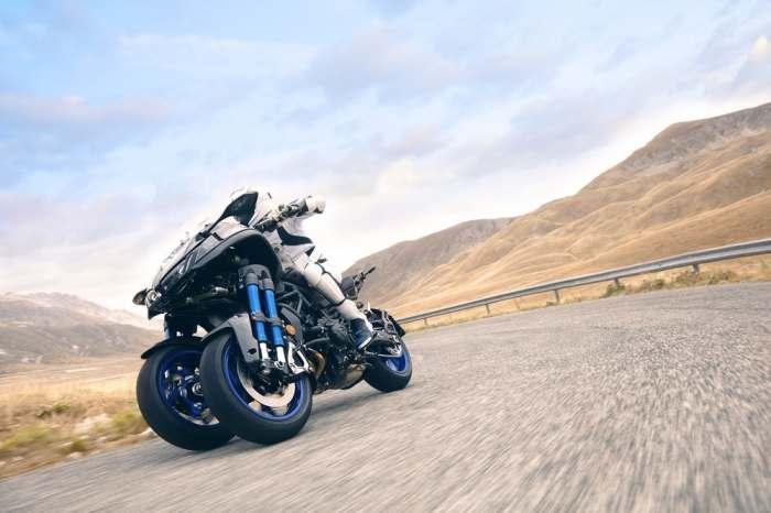 Yamaha Niken бегает быстро и отлично маневрирует.