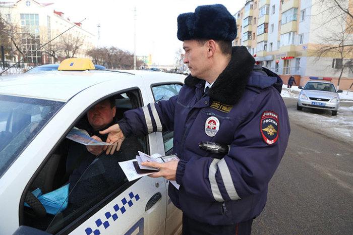 Проверка документов регулируется законом. /Фото: twitter.com.