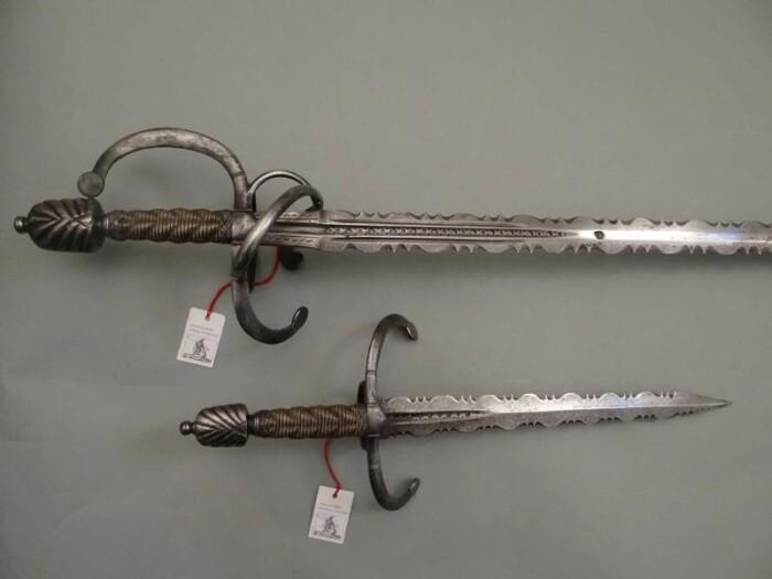 Другое дело - оружие с пламенеющими клинками. /Фото: livejournal.com.