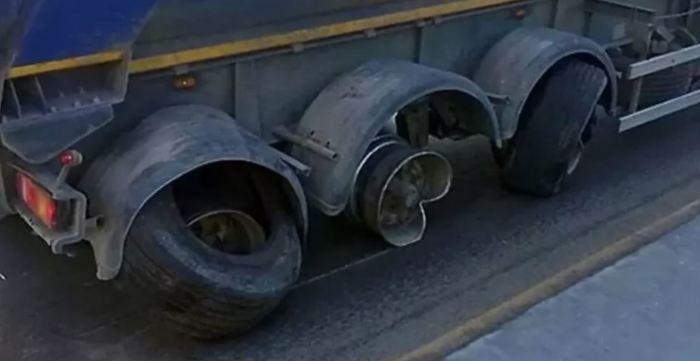 Взрыв колеса - не шутка. /Фото: yandex.ua.
