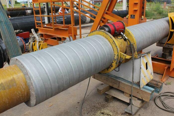 Трубы расширяются под действием горячей воды. /Фото: safit.su.