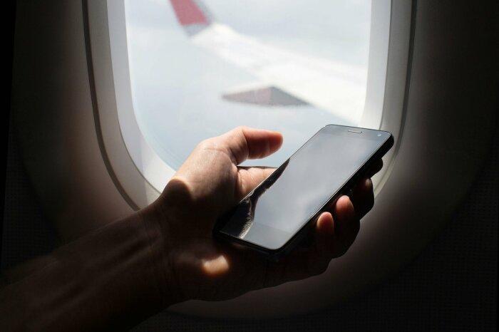 Просят выключить телефоны. /Фото: vladtime.ru.