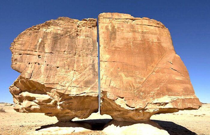 На камнях есть рисунки. /Фото: indocropcircles.wordpress.com.