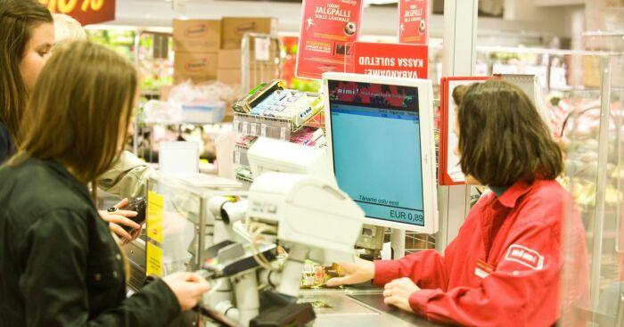 Количество кассиров зависит от трафика покупателей. |Фото: rus.postimees.ee.