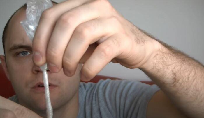 Получаем вот такую трубочку. /Фото: youtube.com.