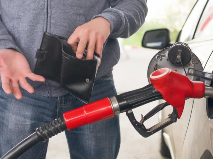 Все потому, что бензин очень разный. /Фото: мояоколица.рф.