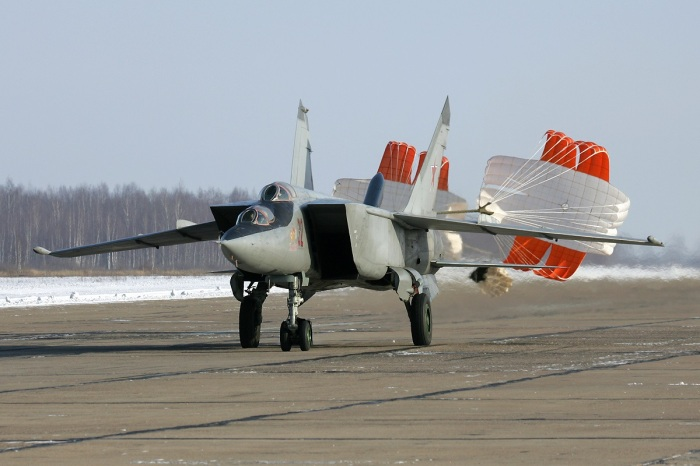 На спирте самолеты не летают. /Фото: komotoz.ru.