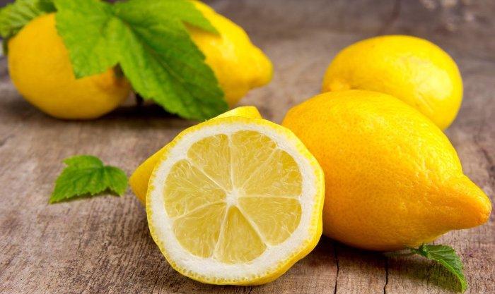 Долька лимона должна помочь.