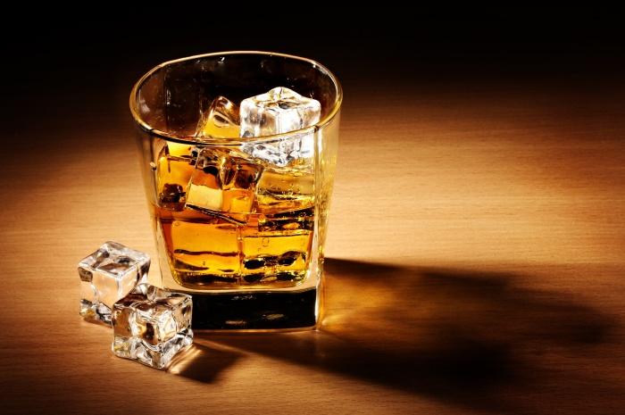 Если никак не обойтись без алкоголя, распивать его не стоит перед самым сном