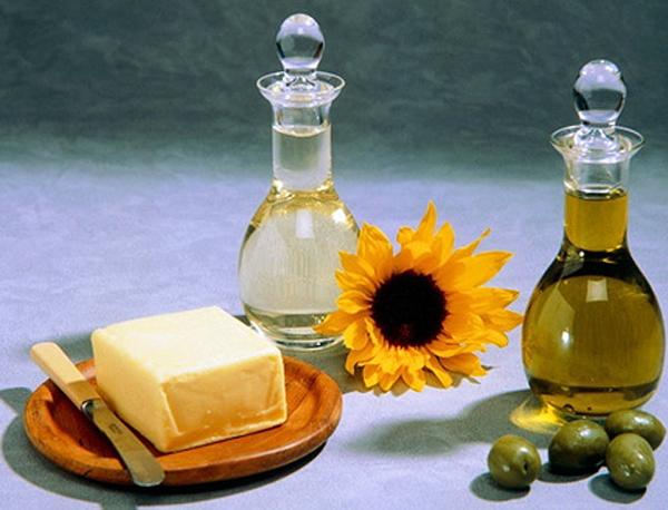 Масла нужны для здоровья волос и ногтей.