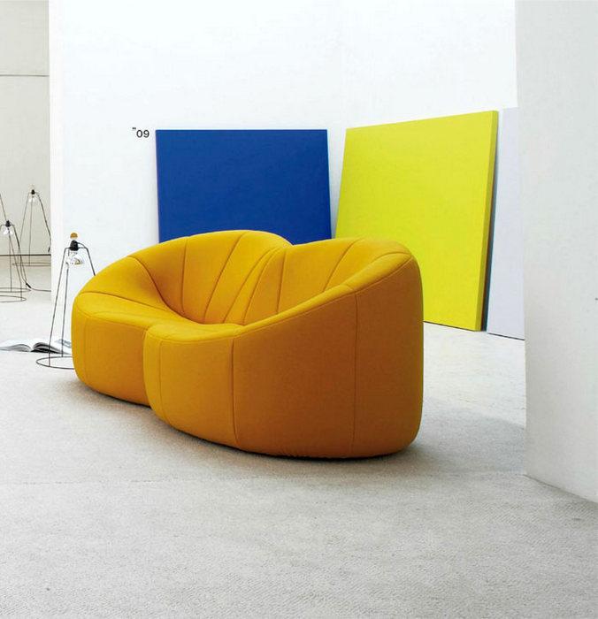 Мебель модного цвета.