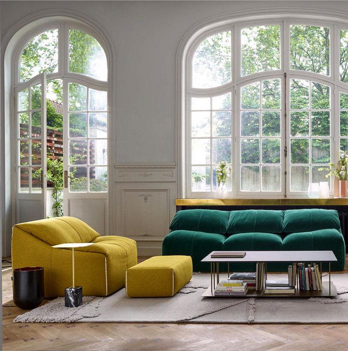 Яркая мебель для гостиной.