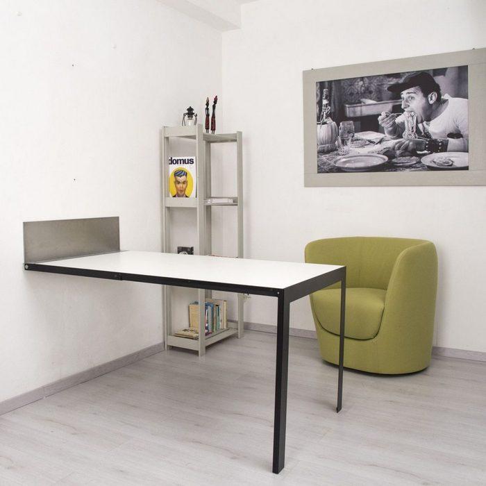 Такой стол не занимает много места.