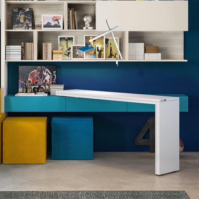 Раскладывать стол можно под любым углом.