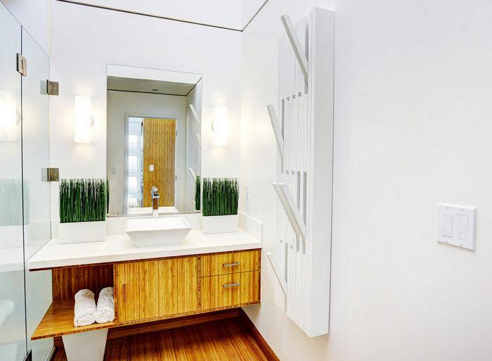 Её можно использовать в любой комнате, даже в ванной.