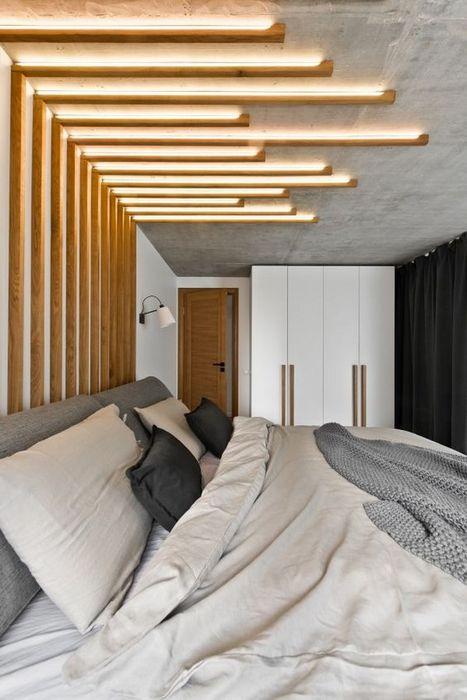 Необычное освещение в спальне.