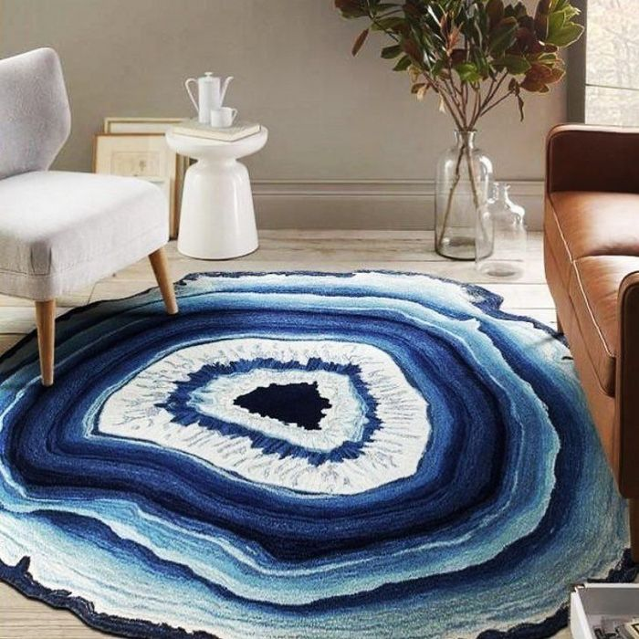 Необычный ковёр.