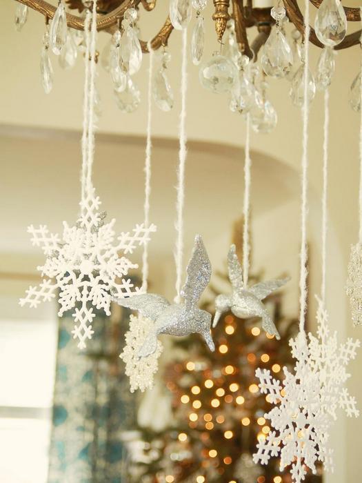 Снежинки в декоре интерьера.