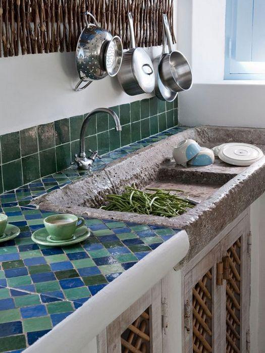 Керамическая плитка вместо столешницы.
